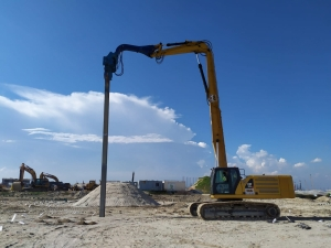 Sheet Pile Driver attached